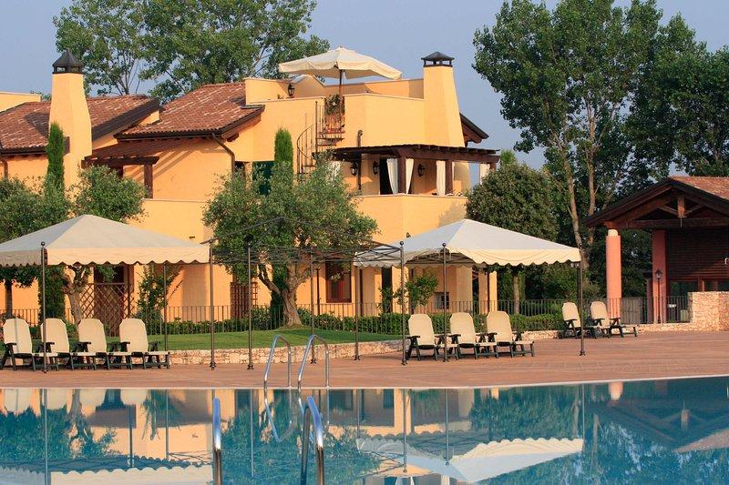 Cornelia apartment, location de vacances à Peschiera del Garda