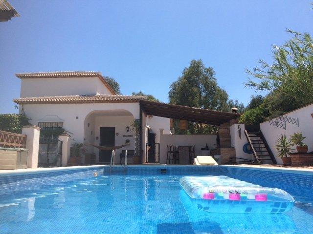 pool+bbq area