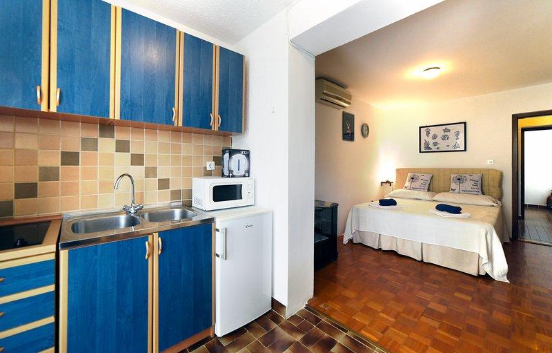 Apartments Maric - A2, alquiler vacacional en Stinjan