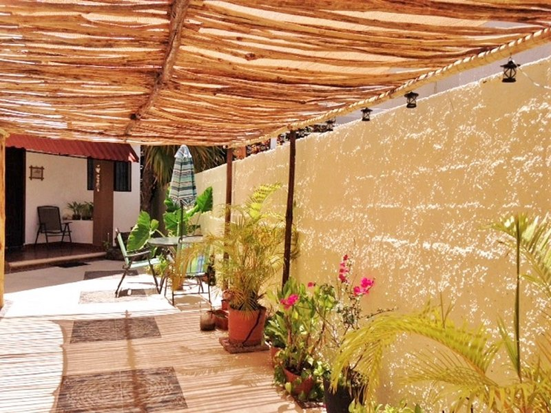 Los Caracoles B&B -  Affordable, nice and cozy bedrooms for rent., holiday rental in Cancun