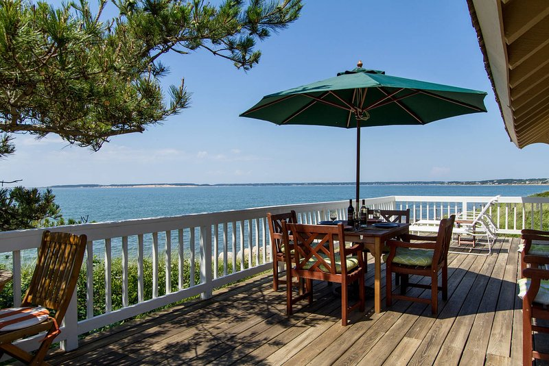 Spectacular Private Waterfront and Beachfront Home, location de vacances à Wellfleet