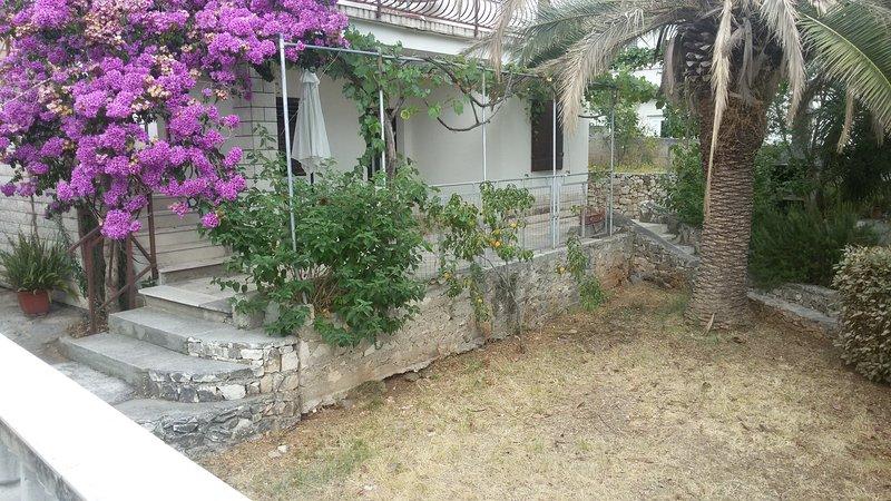 Villa 'Reminiscence', vacation rental in Seget Vranjica
