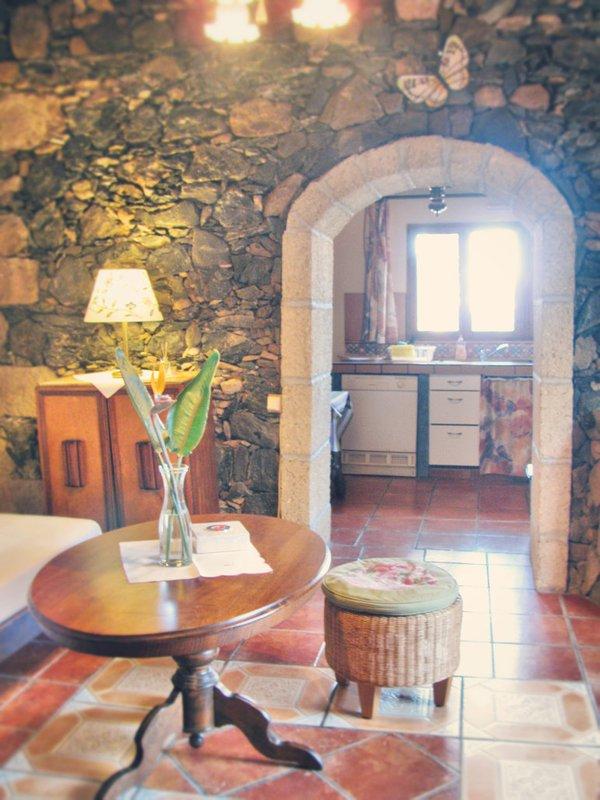View from living room towards kitchen of Casona la Roca