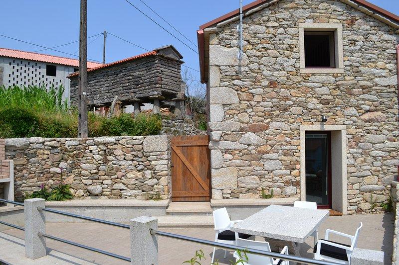 Rural Costa Da Morte Casa de Moreira, vacation rental in A Ponte do Porto
