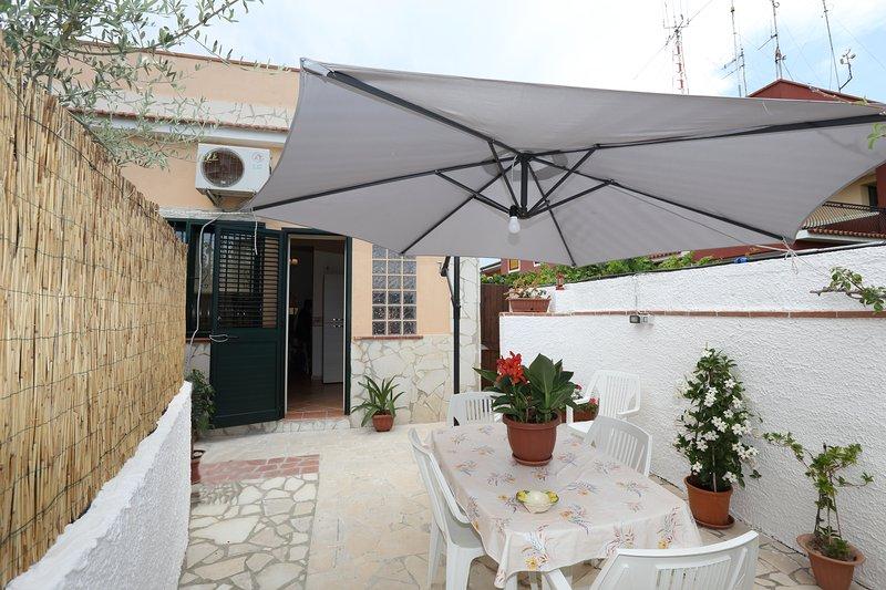 Casa vacanze 'Ninfa' a 50 mt dal mare, location de vacances à Avola
