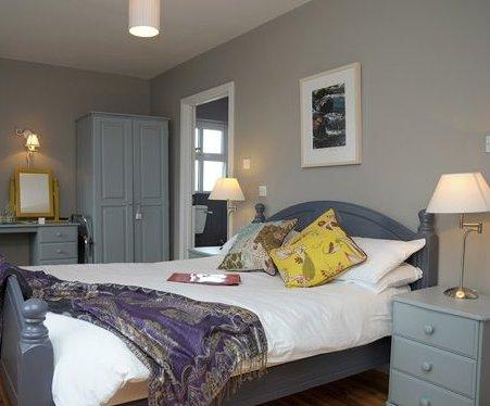 An Riasc B&B Room 1- The Waves (Na Borrai), holiday rental in Dunquin