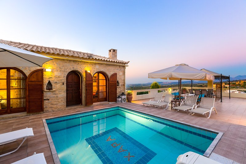 Hara Villa - Stone Villa with Pool and Garden!, holiday rental in Rethymnon