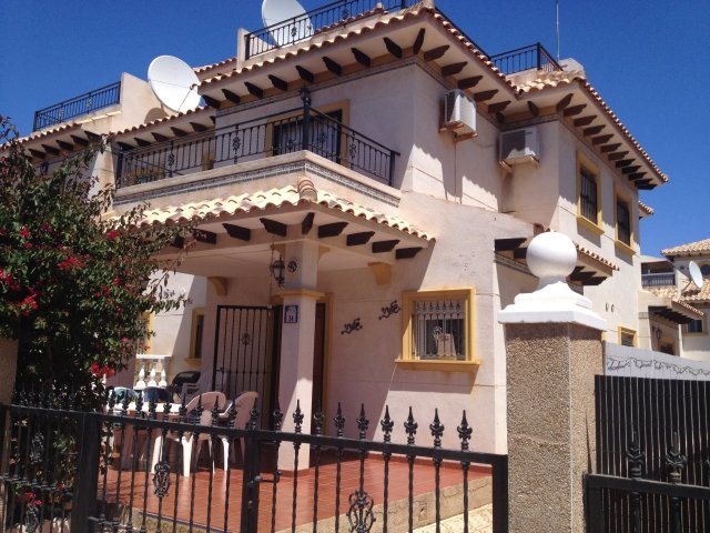 2 bedroom quad villa in Cabo Roig, vacation rental in Orihuela Costa