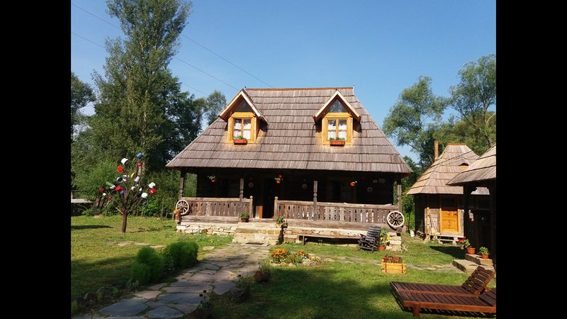 Casuta din scobai, holiday rental in Breb