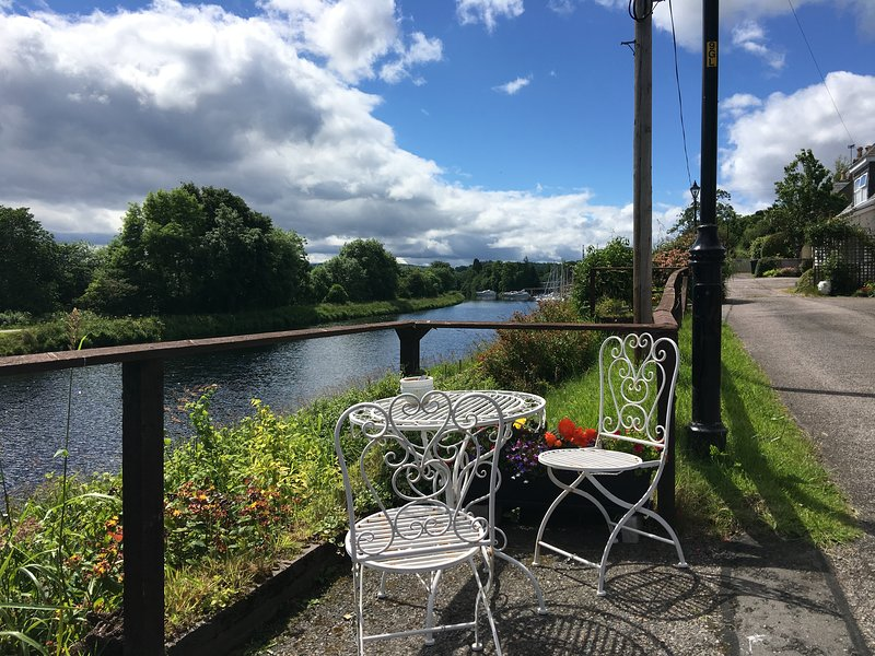 Sealladh Sona B&B Inverness (Up East Double), holiday rental in Munlochy