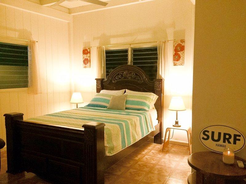 E Komo Mai Private Bedroom near Kailua Beach Town, alquiler de vacaciones en Waimanalo