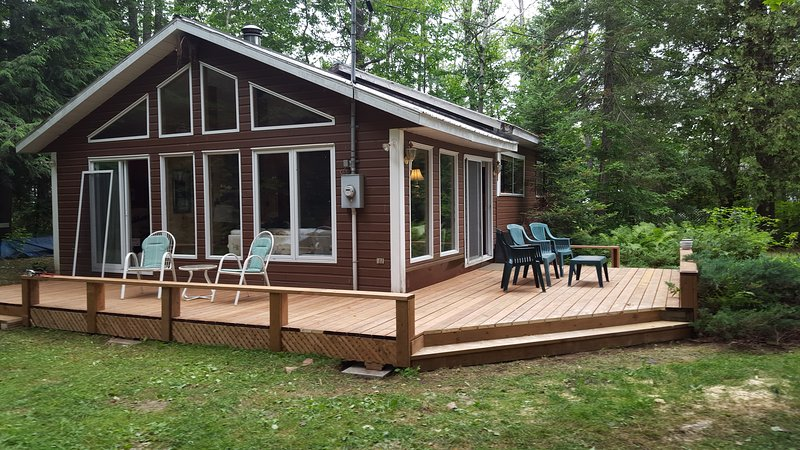 Marble Lake Cottage, holiday rental in Arden