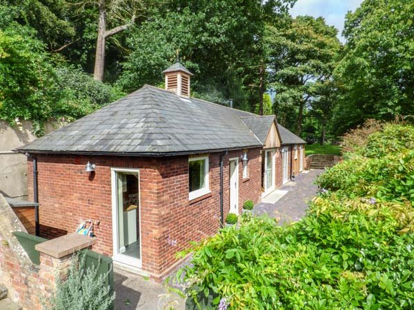 BADGERS RAKE stylish detached bungalow, woodburner, underfloor heating, vakantiewoning in Ledsham
