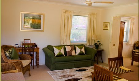 Strathlyn Lemon Tree Spa Apartment, holiday rental in Angaston
