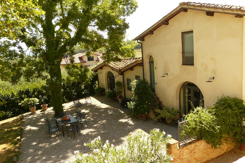 Fienile: designer barn conversion central Tuscany, holiday rental in Mercatale Valdarno