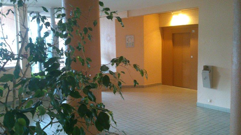 Hall et ascenseur