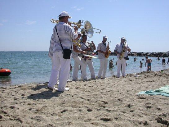 La plage de Saint Cyp en été