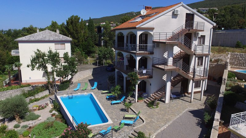 Lounger Frkovic Apartment 1, holiday rental in Crikvenica