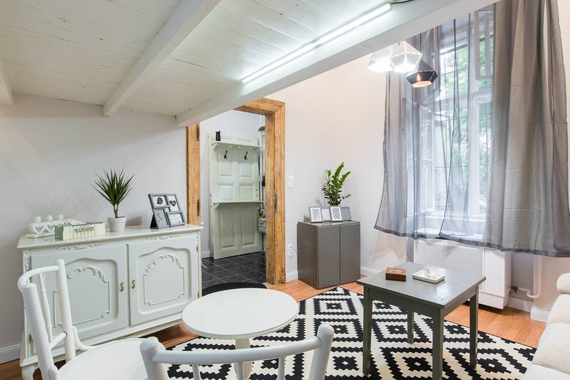 Budget Apartment Budapest, holiday rental in Gyal