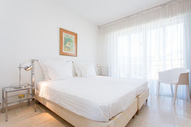 La chambre à coucher, 2 lits simples