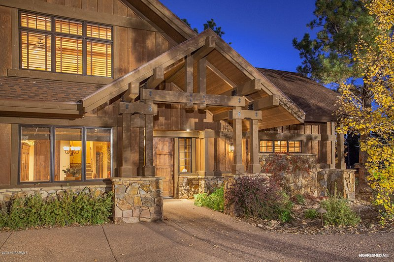 Front entrance - The Pine Canyon Retreat II.