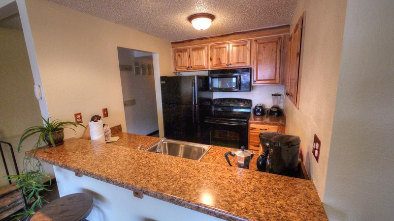 SkyRun.com Property - 'SF204 Snowflake' - Beautiful new Kitchen