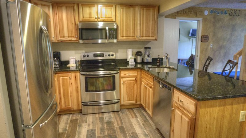 SkyRun.com Property - 'CM416 6BR Copper Mtn Inn' - NEWLY REMODELED KITCHEN! - Well appointed with stainless steel appliances