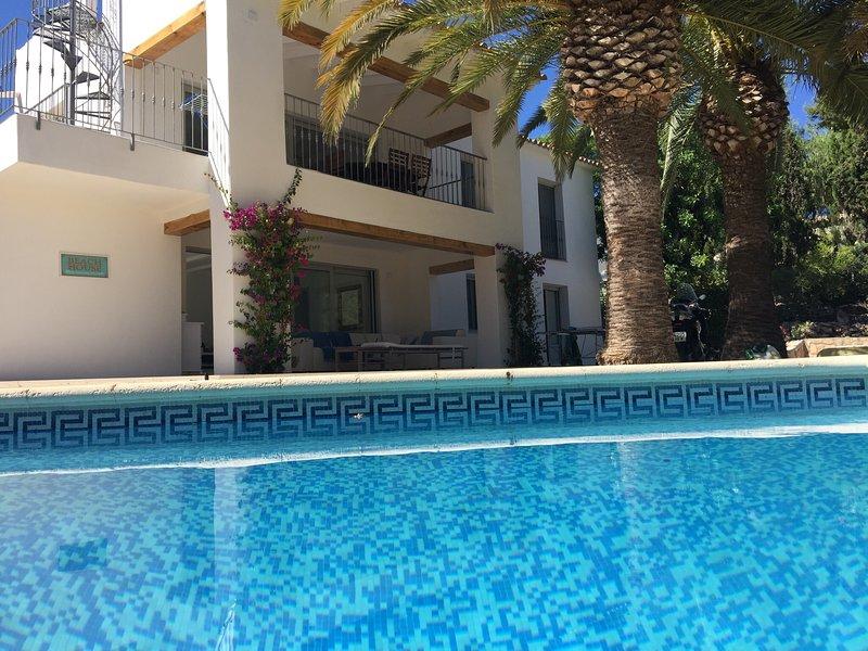 Charming villa, 300m from the sea in Moraira, aluguéis de temporada em Moraira