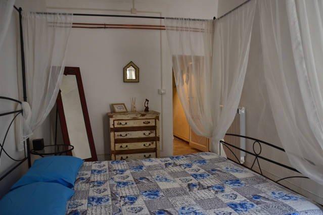Romantico appartamento a Lucignano, vacation rental in Lucignano