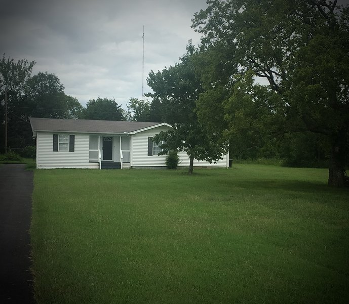 Clean 3 Bdrm/1bath home located on 4 acres near I-840 Couchville Pike Exit.