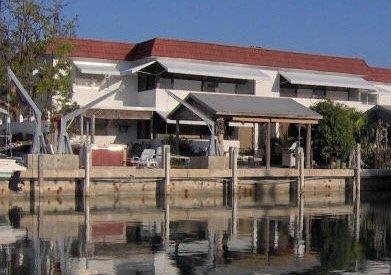Sombrero Beach, FL Keys Waterfront w/Dock Duplex, vacation rental in Marathon Shores