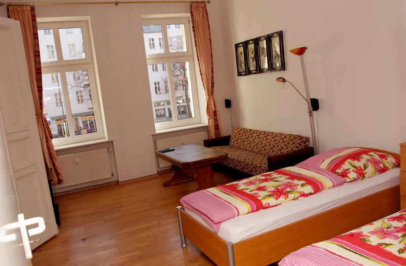 Nice 2 Room Appartement A1, holiday rental in Zepernick