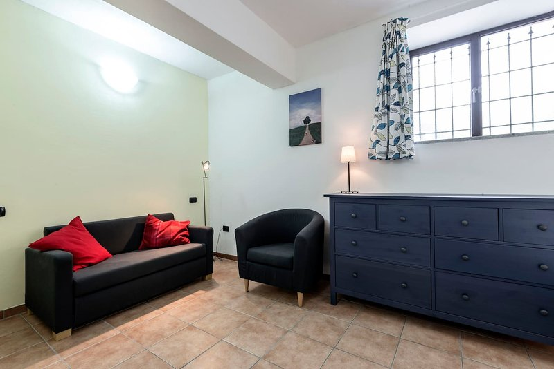 Small self-catering apartment suitable for max. 3 adults, or 2 adults and 2 small children