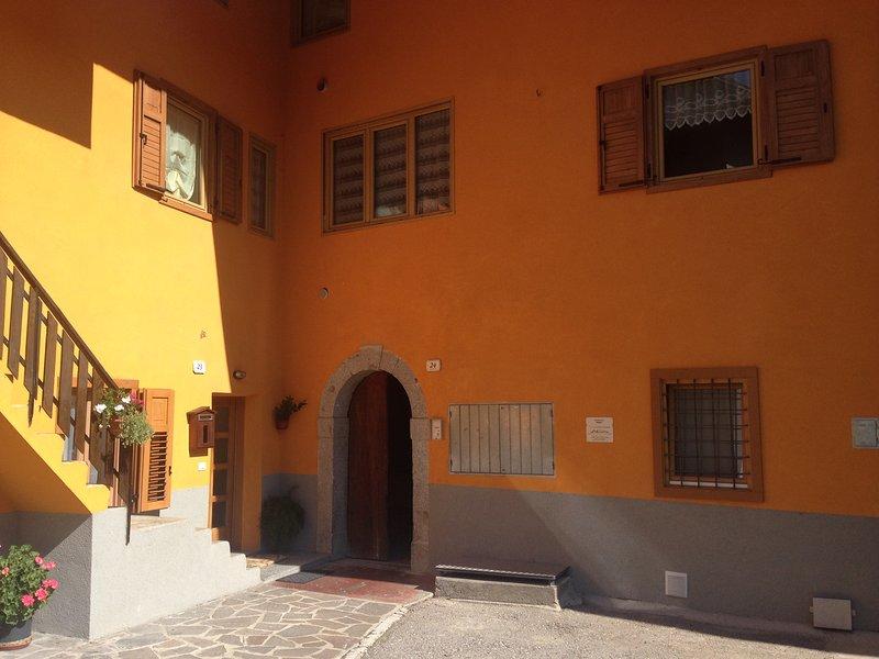 Facade and entrance door.
