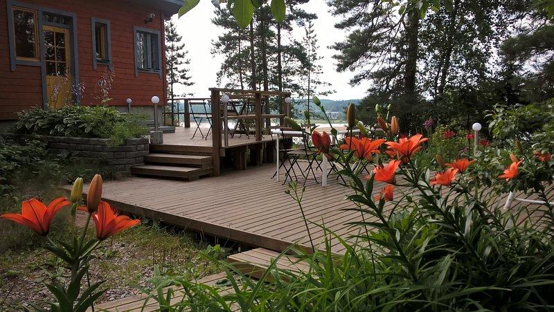 La terrasse du sauna en Juillet