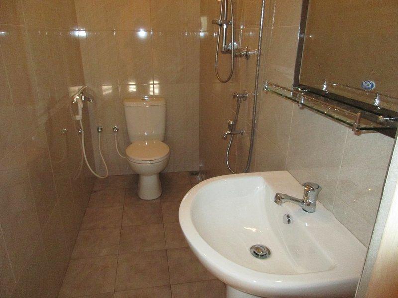 Bath - wash basin