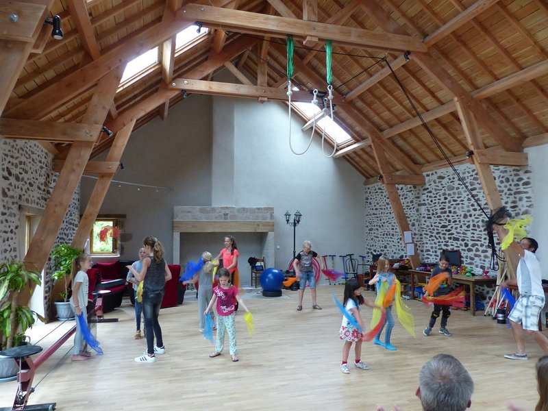 Kids Discovery - the circus school, every morning the kids receive circus lessons (and parents relax)!