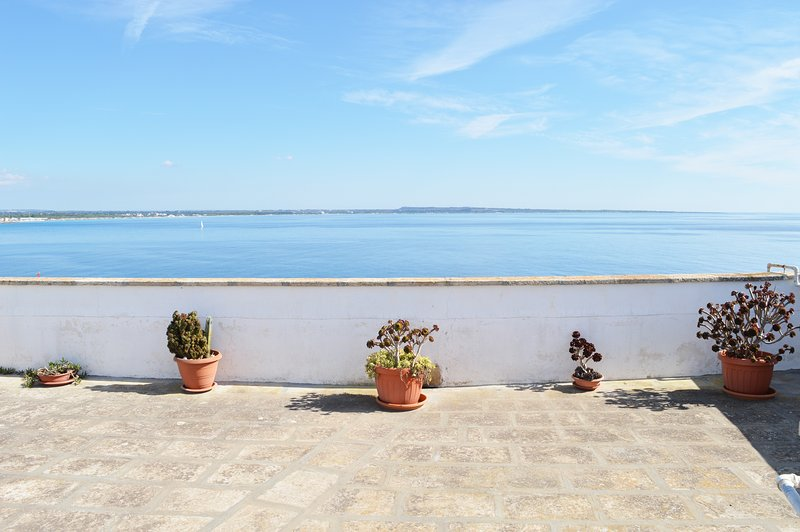 Gallipoli centro storico - Terrazza sul mare, vacation rental in Gallipoli