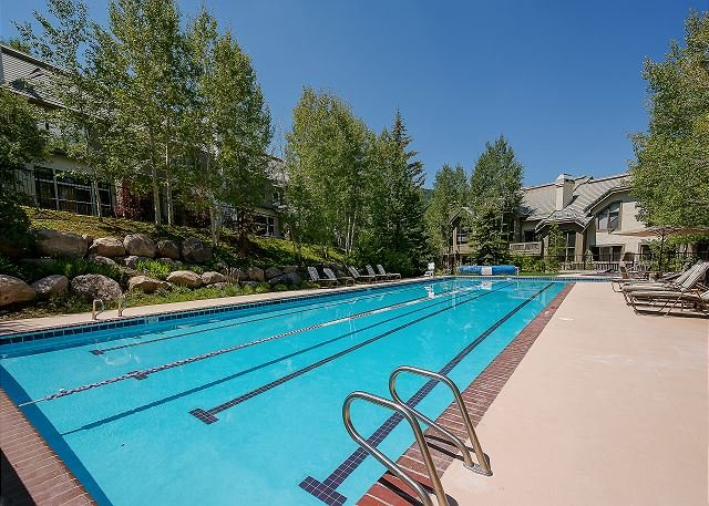 Highlands Community Pool and Hot Tubs