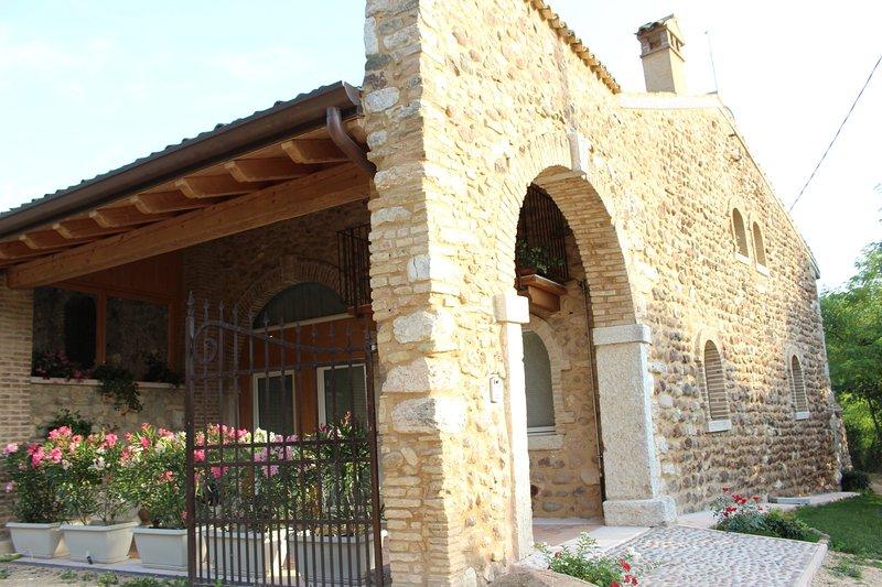 Giardino degli Ulivi, alquiler vacacional en Caprino Veronese