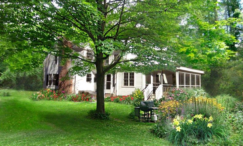 Berkshire Farmhouse Vacation, aluguéis de temporada em Richmond