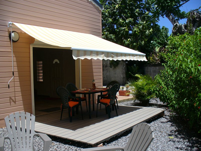 Espacio de la cubierta terraza / relajación / jardín privado
