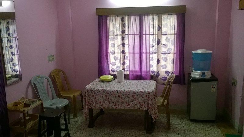 Cozy apartment in South Kolkata, holiday rental in Kolkata (Calcutta)