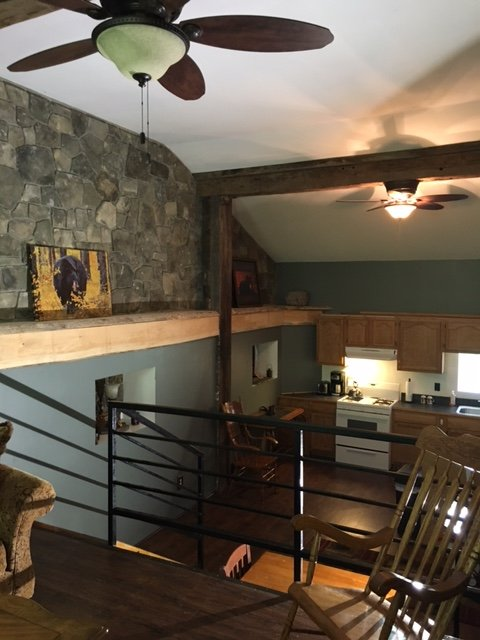 Visualizza dal soggiorno in zona cucina.