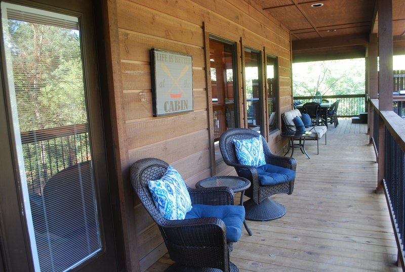 Several seating areas to enjoy your morning coffee or evening cocktail