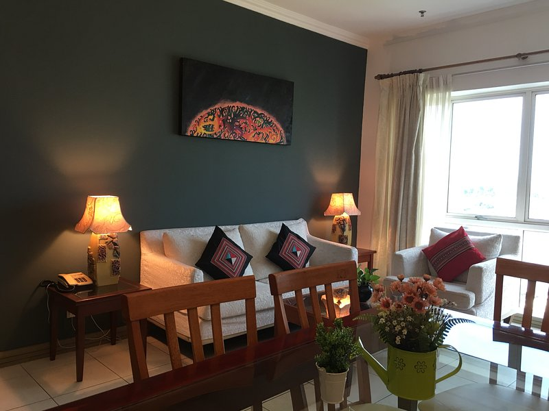 Private Sanctuary within a city hotel, holiday rental in Kota Samarahan