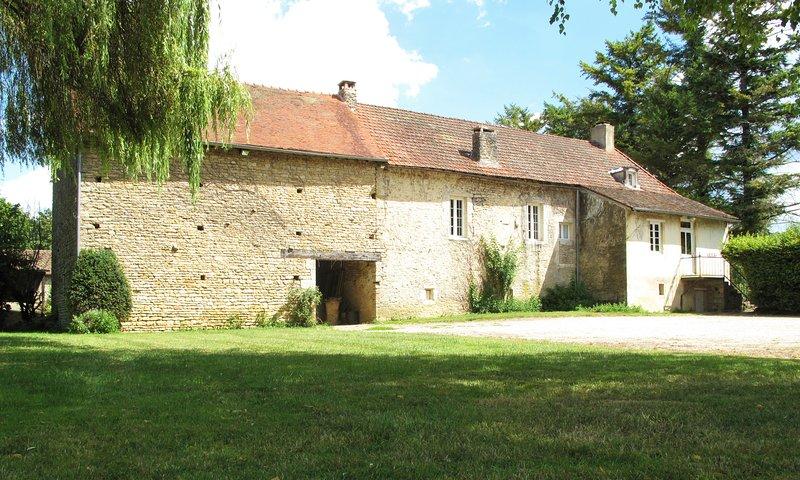 Maison St Jacques, location de vacances à Marigny-le-Cahouet