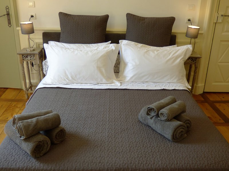 King size bed (160x200) with high quality bed linen and towels