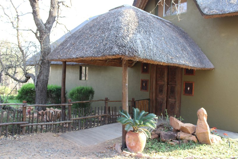 LEEUS VILLA, luxuary safari villa near Kruger NP, holiday rental in Marloth Park