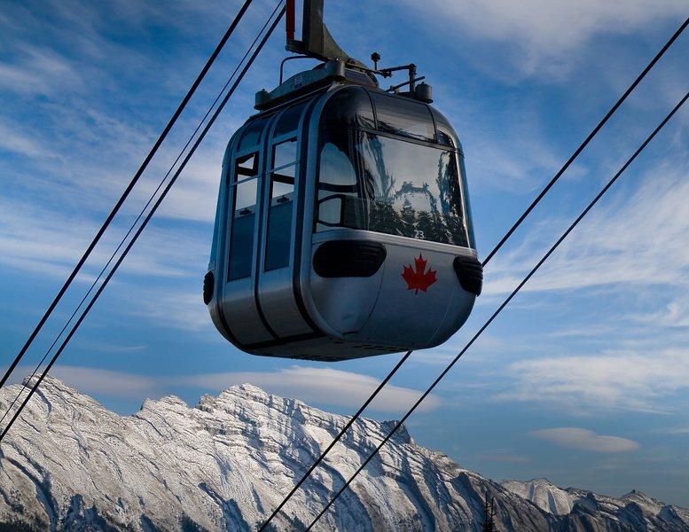 Montar la góndola de Banff Montaña de Azufre para las vistas impresionantes - o disfrutar de las aguas termales!